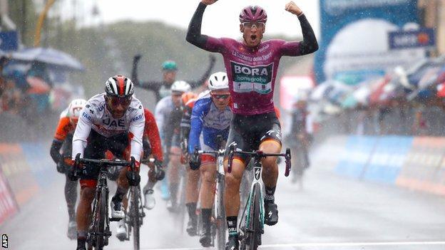 Pascal Ackermann wins stage five