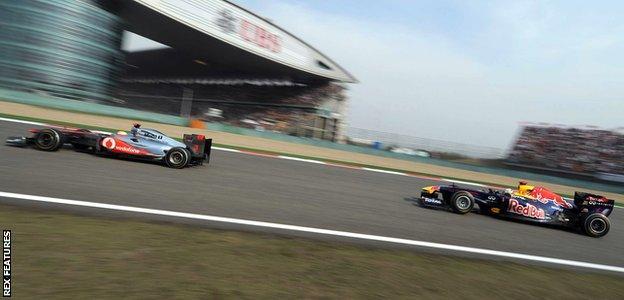 Lewis Hamilton and Sebastian Vettel at the 2011 Chinese Grand Prix