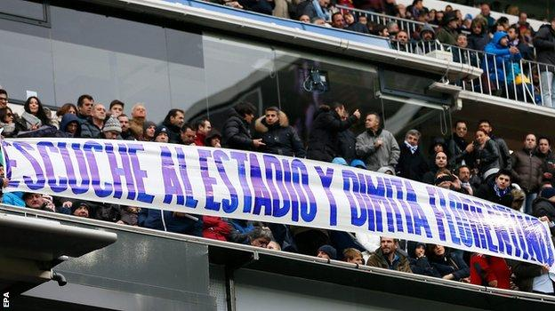 Real Madrid supporters protest