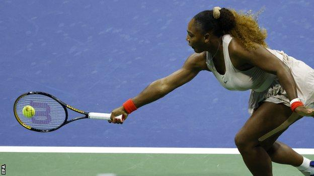 Williams battles into US Open third round thumbnail