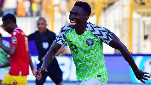 Nigeria 1-0 Guinea: Kenneth Omeruo goal takes Nigeria into last 16 thumbnail