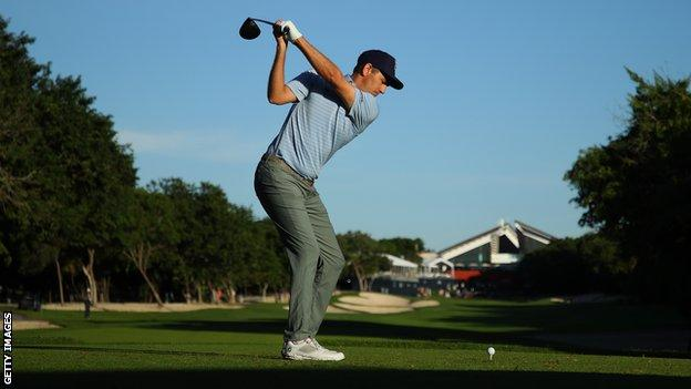 Brendon Todd at the Mayakoba Classic trophy