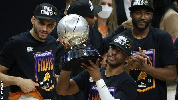 Chris Paul with the Western Conference title