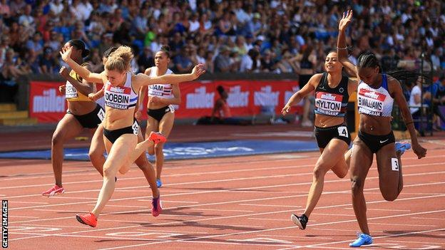 Beth Dobbin wins the British 200m title