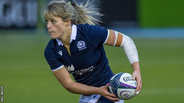 Hannah Smith scored Scotland's try in a heavy defeat away to England