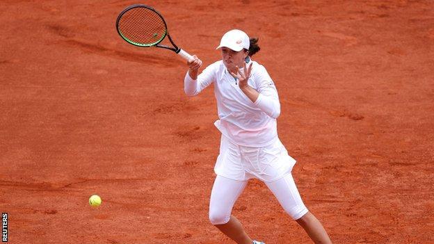 Kenin beats Kvitova and will face teenager Swiatek in French Open final thumbnail