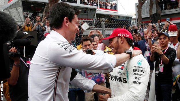 Toto Wolff congratulates Lewis Hamilton