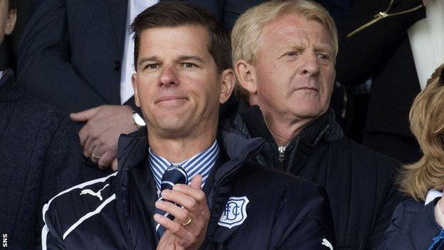Dundee owner Tim Keyes (left) and Scotland manager Gordon Strachan