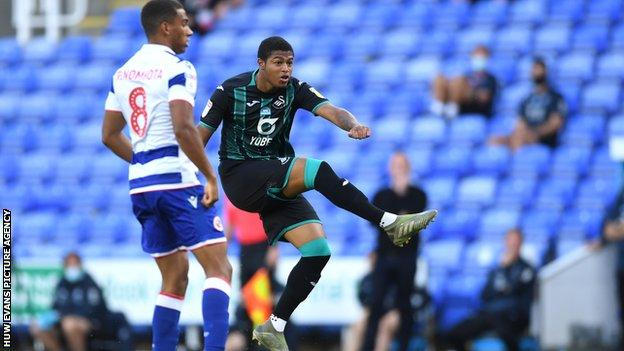 Rhian Brewster struck his 10th goal in 20 Swansea appearances to put his team in front at Reading