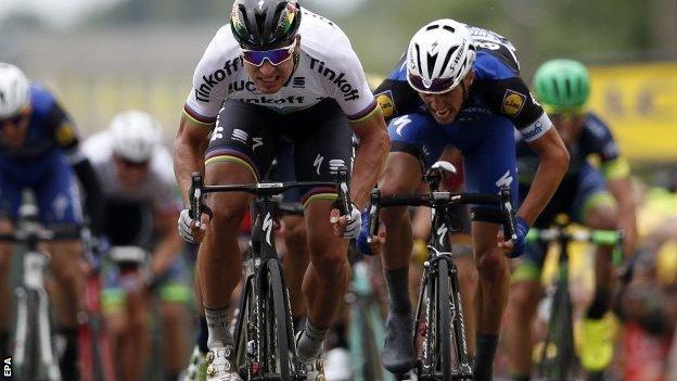 Peter Sagan wins stage two