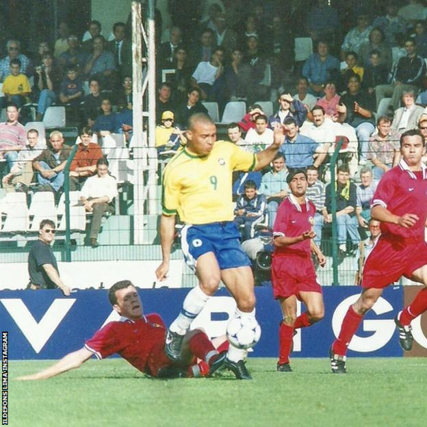 Ildefons Lima post a picture of his debut for Andorra against Brazil legend Ronaldo