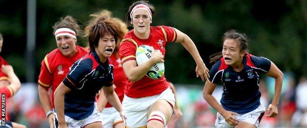 Wales vs Hong Kong. Wales Mel Clay with Christy Cheng and Chan Ka Yan Hong Kong