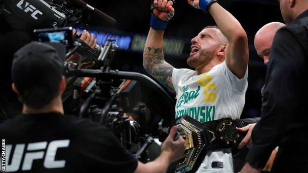 Alexander Volkanovski celebrates