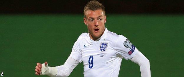 Jamie Vardy playing for England against Lithuania