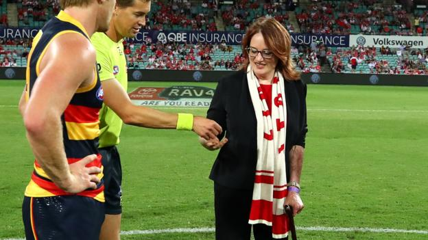 Eddie Maguire: AFL broadcaster apologises for Cynthia Banham coin toss comments thumbnail