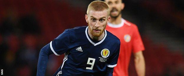 Oli McBurnie in action for Scotland against Costa Rica