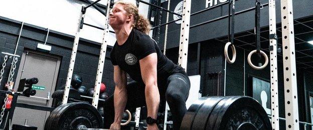 CrossFit, Hamilton'un yaralanmadan kurtulmasında önemli bir rol oynadı