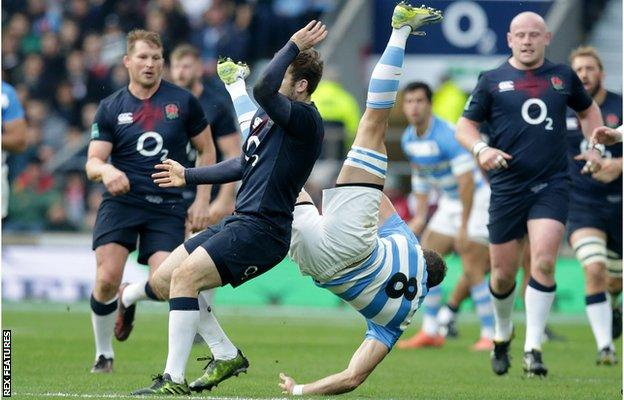 Elliot Daly takes out Argentina number eight Leonardo Senatore and is sent off
