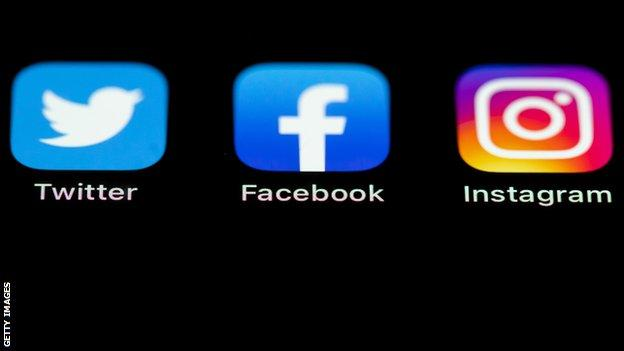 Twitter, Facebook and Instagram logos