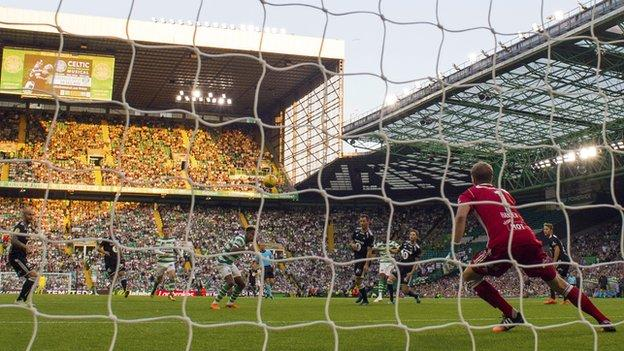 Olivier Ntcham scores the second goal for Celtic