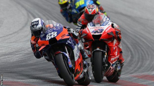 Styrian Motogp Miguel Oliveira Swoops Late To Claim Maiden Win Bbc Sport