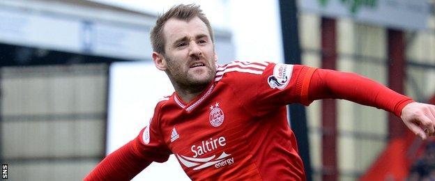Aberdeen's Niall McGinn celebrates