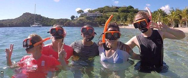 England players go snorkelling