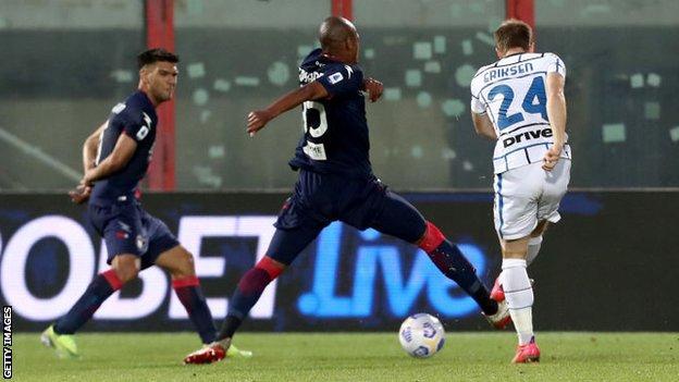 Christian Eriksen scores for Inter Milan at Crotone