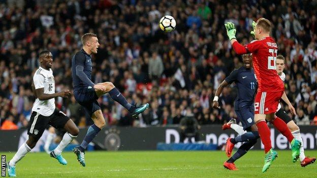 Jamie Vardy misses a good chance for England