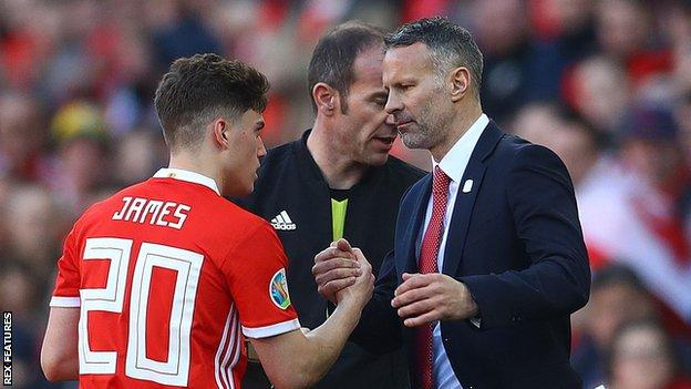 Daniel James is congratulated by manager Ryan Giggs