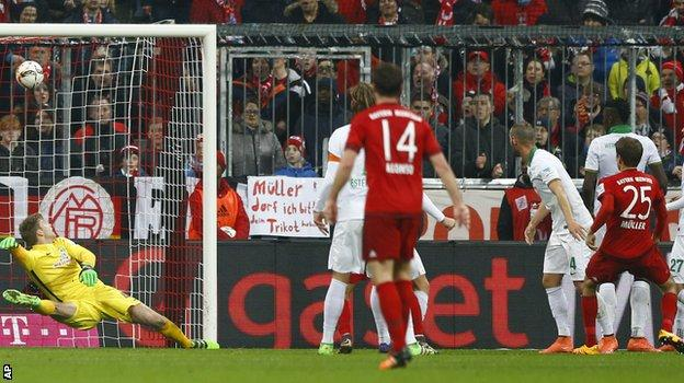 Thomas Muller scores for Bayern Munich against Werder Bremen