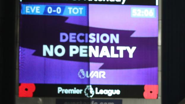 VAR: Referees are in sheer panic at video decisions, says Chris Sutton thumbnail