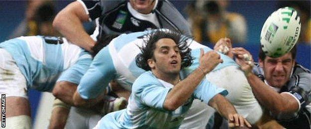 Agustin Pichot in action for Argentina
