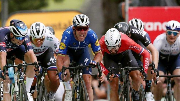 Tour de France 2021 _119137601_gettyimages-1326111017