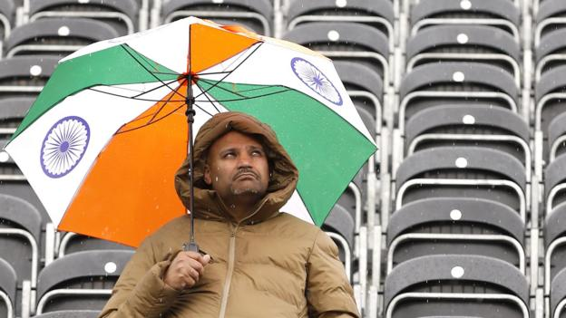 India v New Zealand: World Cup semi-final goes into reserve day thumbnail