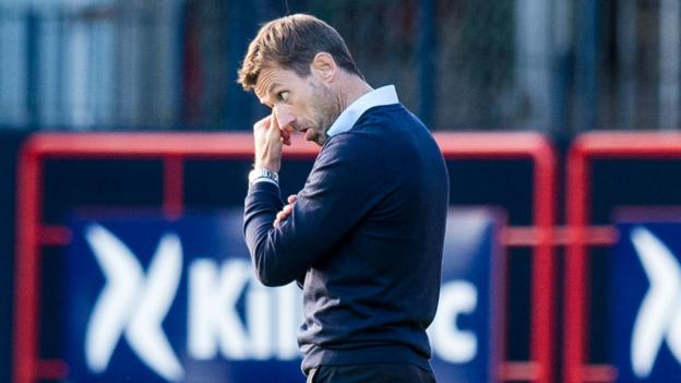 Neil McCann: Dundee plight 'sore to take', Hibs deliver 'complete performances' - BBC Sport