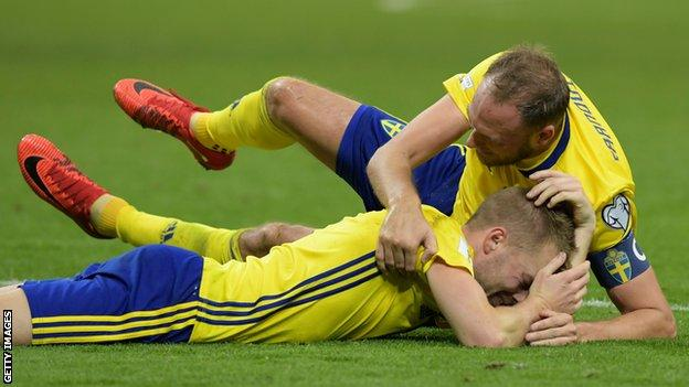 Sweden celebrate after qualifying for the World Cup