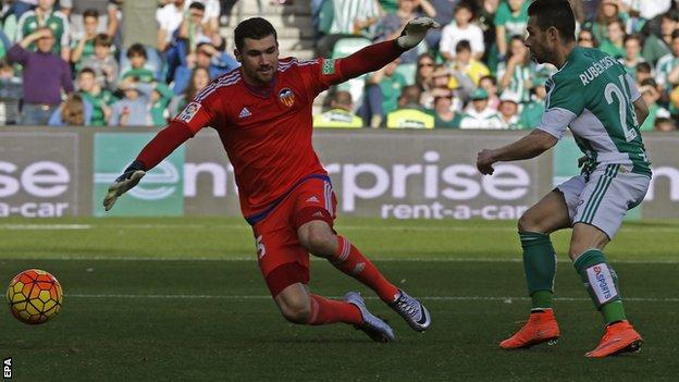 Ruben Castro scores for Real Betis