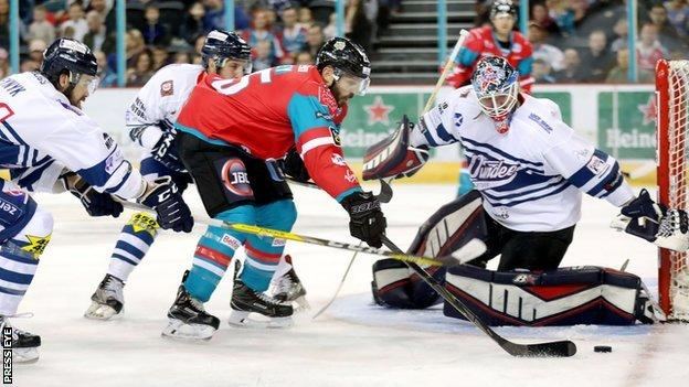 Blair Riley threatens for the Giants in Saturday night's victory over the Scots at the SSE Arena