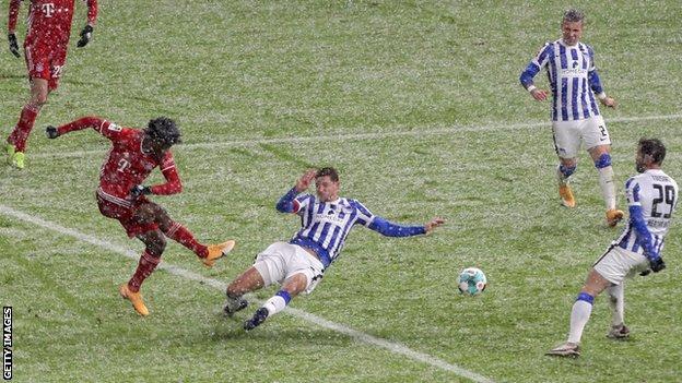 Kingsley Coman, Bayern Münih'te gol atıyor