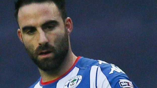 Craig Morgan: Fleetwood sign Wigan central defender - BBC Sport