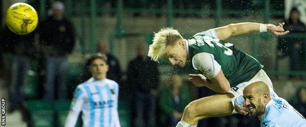 Jason Cummings missed a hat-trick of good chances for Hibs