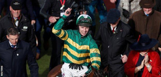 Jockey Mark Allen celebrates victory on Espoir D'Allen