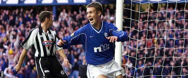 Kenny Miller playing for Rangers against St Mirren in 2000
