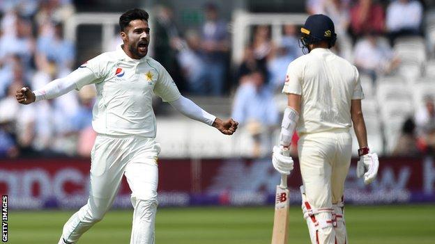 Pakistan's Mohammad Amir celebates dismissing Mark Wood