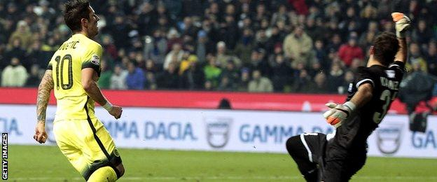 Stefan Jovetic scores for Inter Milan at Udinese