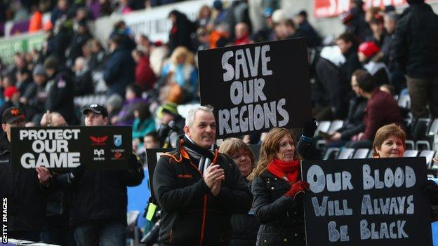 Fans protest the potential changes