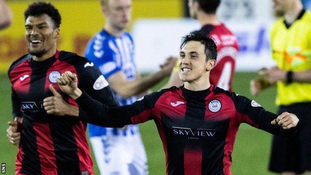 St Mirren midfielder Jamie McGrath (right) celebrates