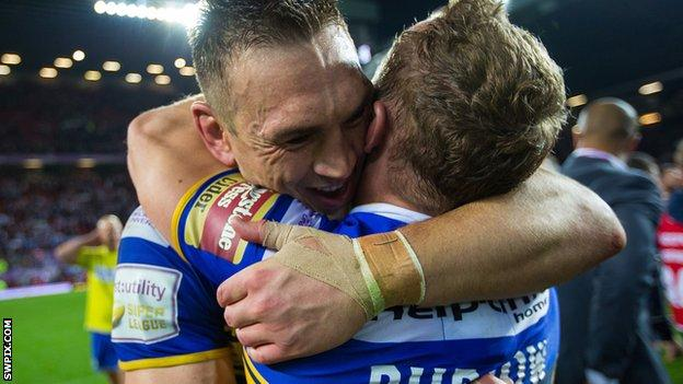 Kevin Sinfield hugs Rob Burrow after the 2015 Super League Grand Final