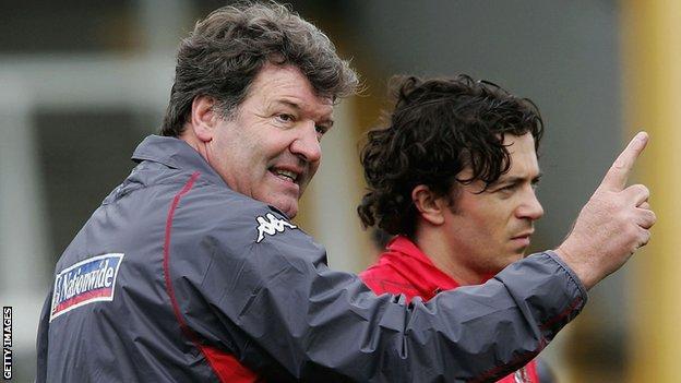 Ex-Wales boss John Toshack and Simon Davies